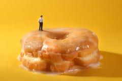 概念性食物成象的警察用多福饼 免版税库存照片
