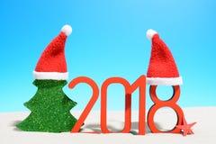 概念新年好 2018与玩具树的标志 库存图片