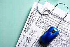概念表单在线税务 免版税库存照片