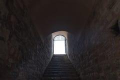 概念走廊黑暗的末端光隧道 图库摄影