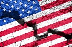 概念,在破裂的背景的美国国旗 库存图片