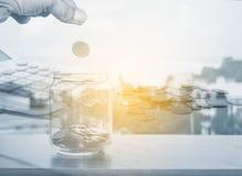 概念货币保存 免版税库存图片