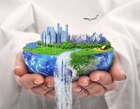 概念eco和平鸽子 未来城市 太阳能镇,风能 免版税库存照片