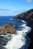 概略和陡峭的海岸线 免版税图库摄影