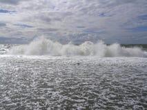 概略的海浪 免版税库存图片