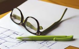 概述和文字 免版税库存照片