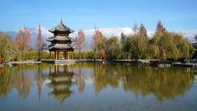 榕树旅馆在丽江 免版税图库摄影