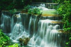 槐Mae Khamin瀑布在泰国 库存照片