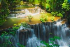 槐Mae Khamin瀑布在泰国 免版税库存照片