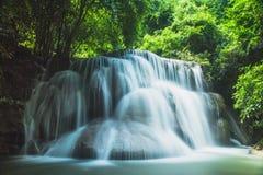 槐Mae Khamin瀑布在泰国 免版税库存图片