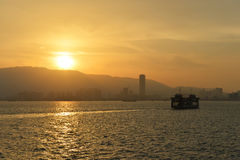 槟榔岛,马来西亚2014年7月18日:槟榔岛美好的日落  免版税库存图片