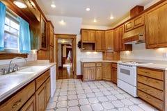 槭树厨房室内部 图库摄影