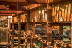 槽坊老被放弃的金属 免版税库存照片