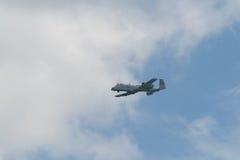 樟宜,新加坡- 2月6,2010 :美国空军A-10雷电II战斗机 免版税图库摄影
