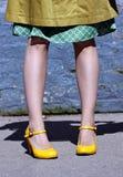 模型普通的鞋子黄色 库存图片