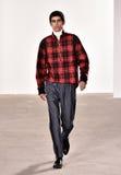 模型走跑道在蒂姆Coppens时装表演在纽约时尚星期人的秋天期间/冬天2016年 图库摄影
