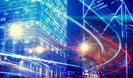 模糊的光夜视图在城市概念的 免版税库存照片