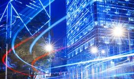 模糊的光夜视图在城市 免版税库存照片