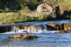 模糊的河 库存照片