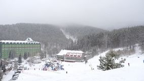 横向多雪的冬天 影视素材