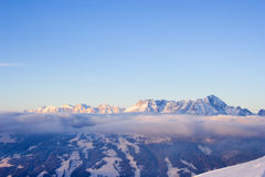 横向山冬天 库存照片