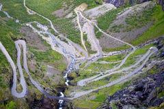 横向山挪威美丽如画的trollstigen 库存照片