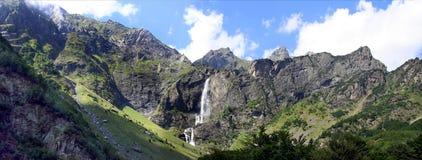 横向山瀑布 免版税图库摄影