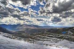 横向山雪 库存图片