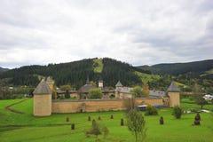 横向摩尔达维亚修道院罗马尼亚sucevita 免版税库存图片