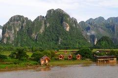横向老挝vang vieng 库存图片