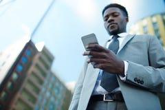 横幅通信设计地球标头例证移动电话技术 免版税库存照片