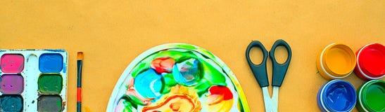 横幅A套创造性和图画爱好的材料 免版税库存照片