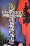 横渡与图象被谋杀的教士在共产主义政权期间在阿尔巴尼亚 库存图片