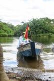 横渡亚马逊的小船 免版税库存图片