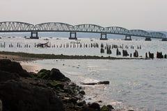 横渡哥伦比亚河的桥梁在Astoria,俄勒冈 库存图片