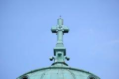 横渡在基督教会国王, Mirogoj公墓在萨格勒布 免版税库存图片