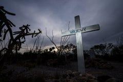 横渡在boothill墓碑亚利桑那的未知的人坟茔 免版税库存图片
