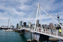 横渡奥克兰新西兰的Wynyard 免版税图库摄影