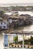 横渡湄公河在我的Tho,越南的小船 免版税库存照片