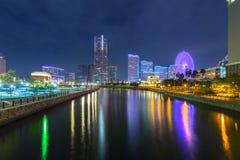 横滨cityat夜,日本建筑学  库存图片