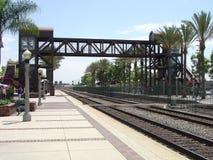 横穿步行者铁路运输 库存照片