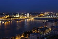 横跨多瑙河的伊丽莎白桥梁在布达佩斯 图库摄影
