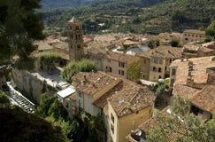 横跨屋顶的看法冠上, Moistiers Sainte玛里,维登,法国 免版税库存照片