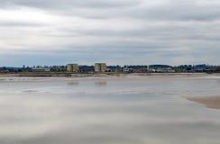 横跨沙子的核动力火车 库存图片