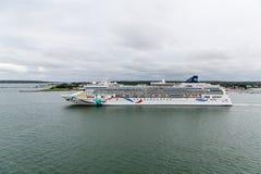 横跨港口的挪威语Dawnn 免版税库存照片