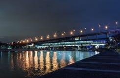 横跨莫斯科河的桥梁 免版税库存照片