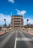 横跨运河的被打开的吊桥 图库摄影