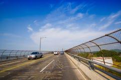 横跨巴拿马运河的美洲大桥 免版税库存图片