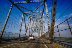 横跨巴拿马运河的美洲大桥 库存图片