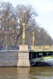 横跨Fontanka河的Panteleimon桥梁 免版税库存照片